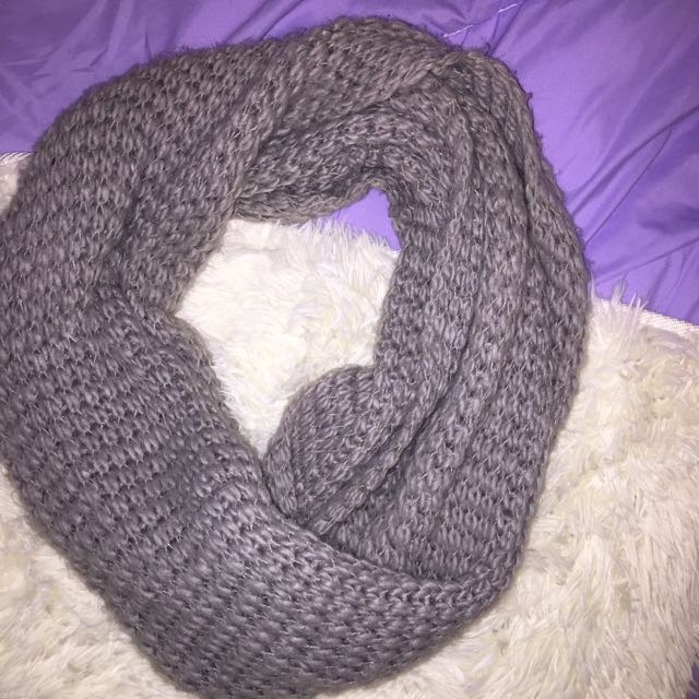Thick Knit Scarf • gray