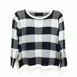 Square Monochrome Sweater