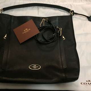 Coach Scout Hobo Bag Black pebbled Leather With Gold Hardware
