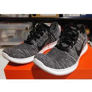 "Nike Free RN Flyknit ""Oreo"""