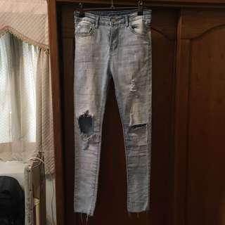 再降💔刷破淺色牛仔褲