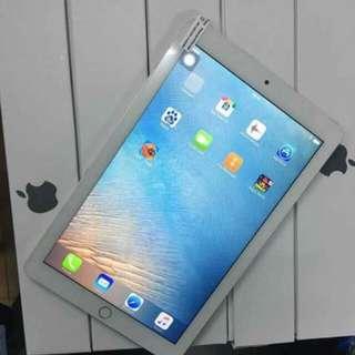 Apple Ipad  Pro Octacore 9.7 inch.@5,500