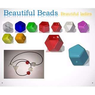 Beautiful beads to DIY your Necklace