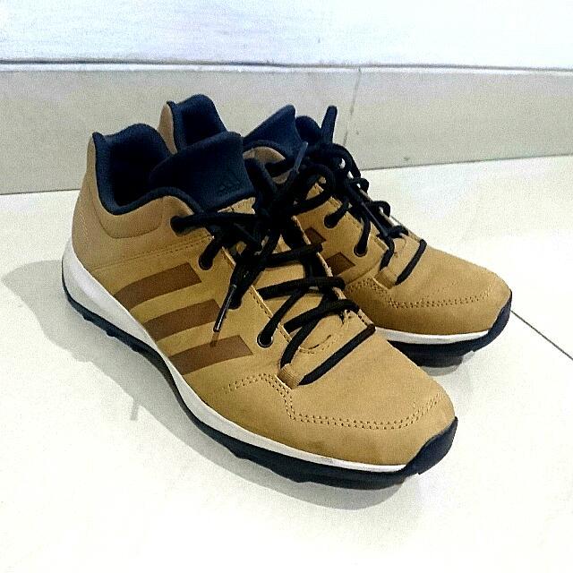 hot sale online 710a6 c2b94 Adidas Daroga Plus LEA, Mens Fashion, Mens Footwear on Carou