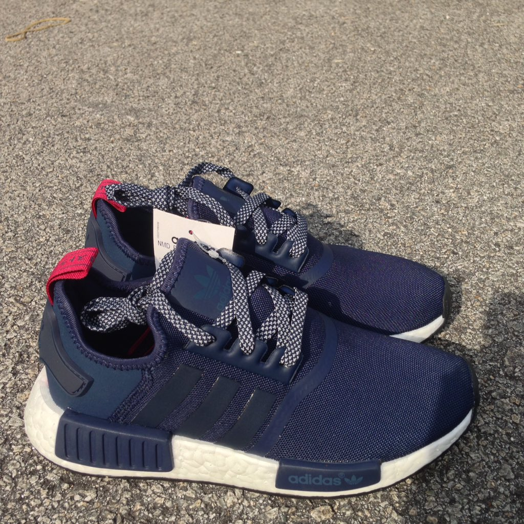 8aa50a0e3 ADIDAS NMD R1 Women s collegiate Navy With Red Tab S76011