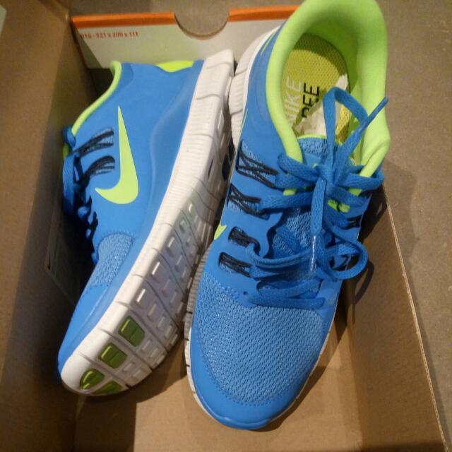 BNIB Nike Free 5.0 Size 9
