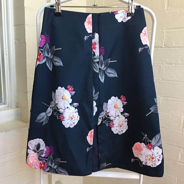 Cameo Floral Skirt