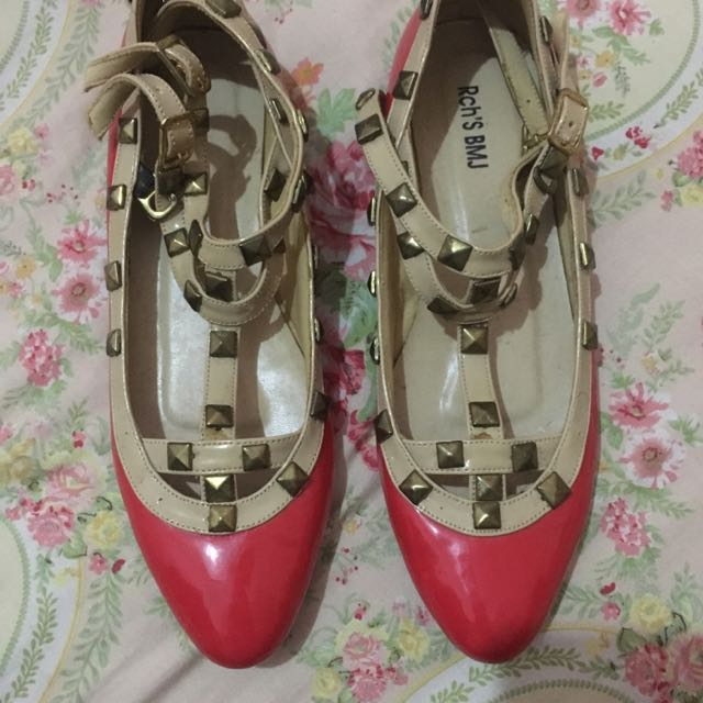 Flat Shoes Red Stud