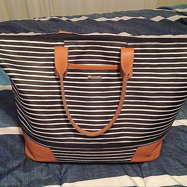 Getaway Bag - Black/Cream Stripe