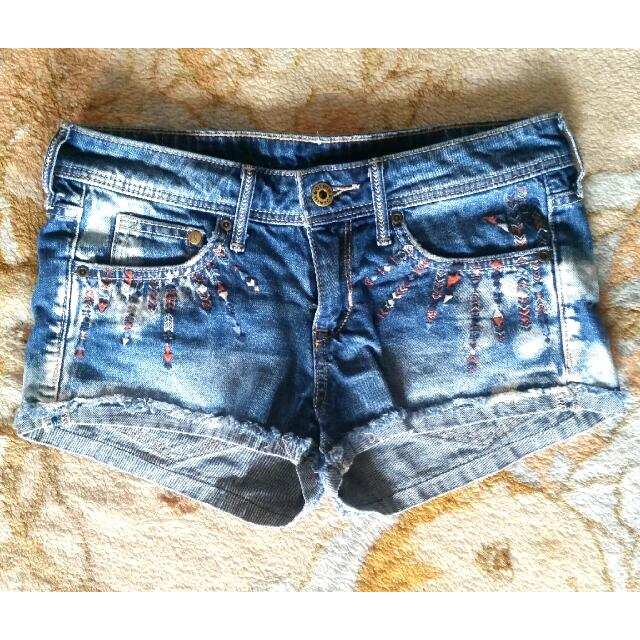 (RESERVED to Z) H&M Boho Stitched Shorts