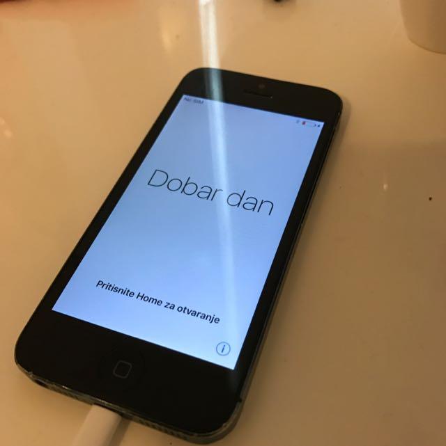 Black iPhone 5 16GB