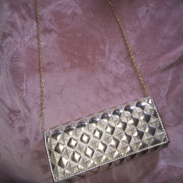 Luxe Clutch With Chain