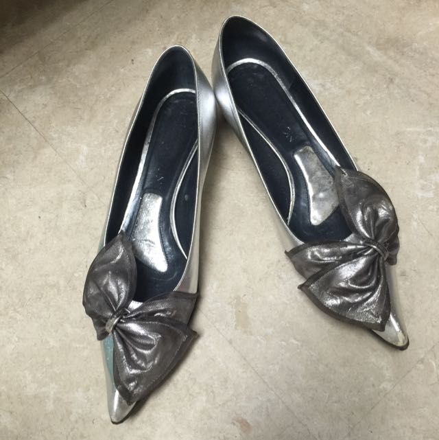LV 正品銀色甜美蝴蝶結尖頭鞋37