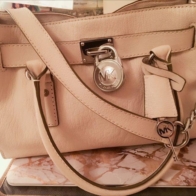 Michael Kors Vanilla Hamilton Bag