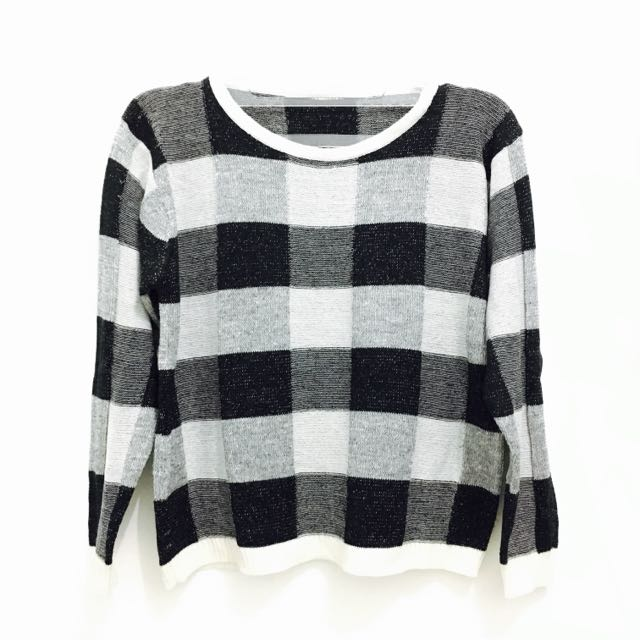 Square Monochrome Sweater
