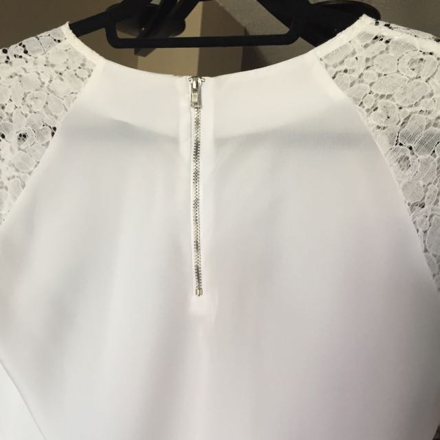 White Blouse With Lace Shoulders And Zipper Back Size Small