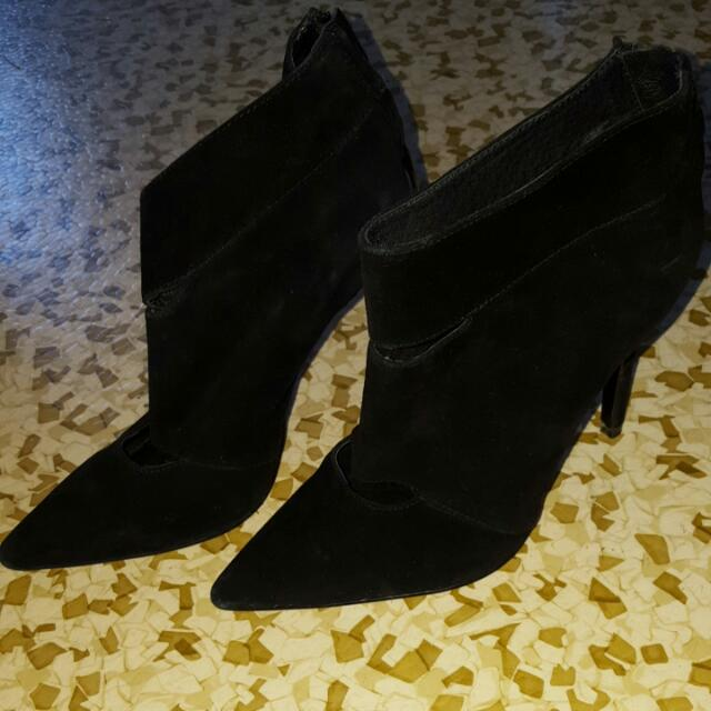 Withchery Shoes Size 37 Used Twice