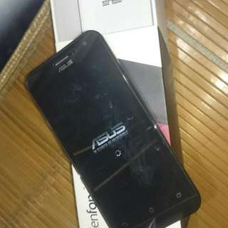 Asus Zenfone 2 5吋