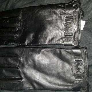 Michael Kors Winter gloves- Excellent Condition!!!