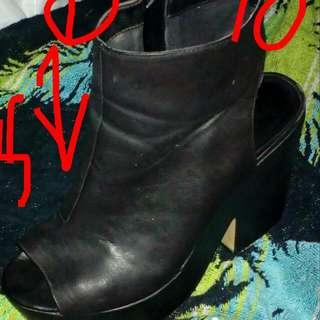Size10 Heeled Black Wedges