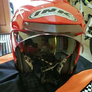 Helm INK Red