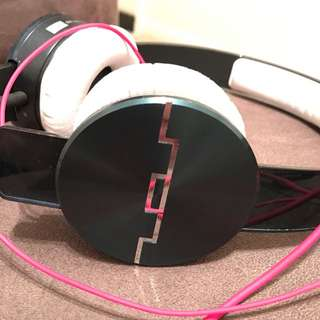 track HD sol republic headphone