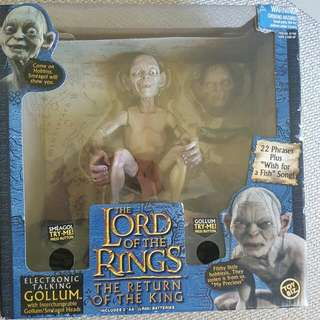 Golllum From Lord Of The Rings Toy. Speaks And Says Phrases. Sings Swaps Head According To Character Change In Movie