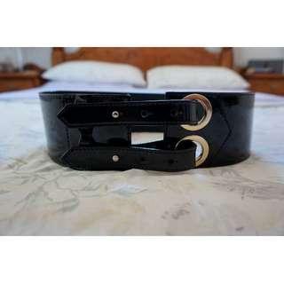 SABA Black Patent Leather Waist Belt w/ Yellow Gold-Tone Hardware Size Medium RRP $129.00