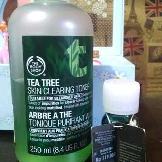 The Body Shop Tea Tree Skin Clearing Toner & Tea Tree Oil