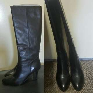 Black Knee Lenght Boots