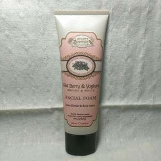 泰國Beauty Cottage 野莓優格淨白洗面乳(100ml)