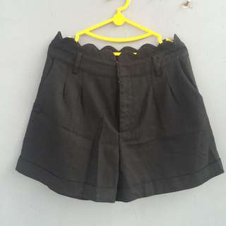 black short pants