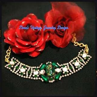 Dora's 捷克 工藝 珠寶 祖母綠 浮雕 女王 寶石 晶鑽 復古 Vintage 頸鍊 項鍊 搭手鐲 古著包 洋裝 禮服 髮飾 耳環 戒指 手鍊 別針 手環