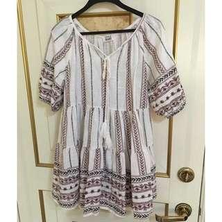 保留中🌸精緻刺繡民族風洋裝