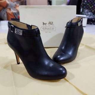 Brand New Coach Boots-heel
