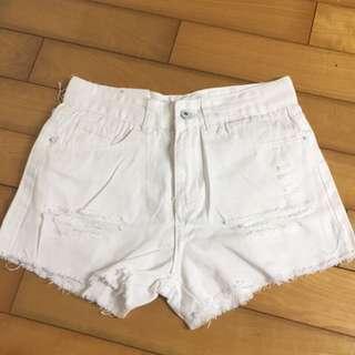 🚚 全新M號白色牛仔短褲