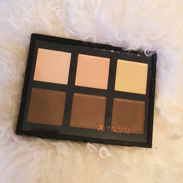 Anastasia Beverly Hills Cream Contour Kit (Light-Medium) $25