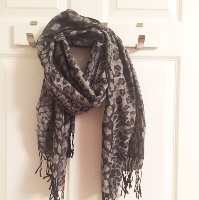 Black Cheetah Print Scarf