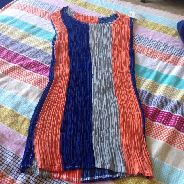 BNWT Retro Blue Orange & Grey Pleated Top