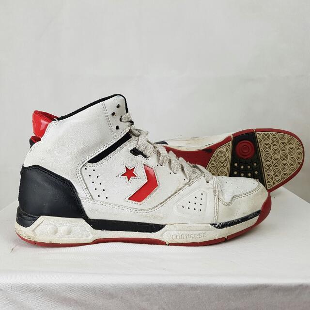 Converse Kicks Size 9.5 White Red