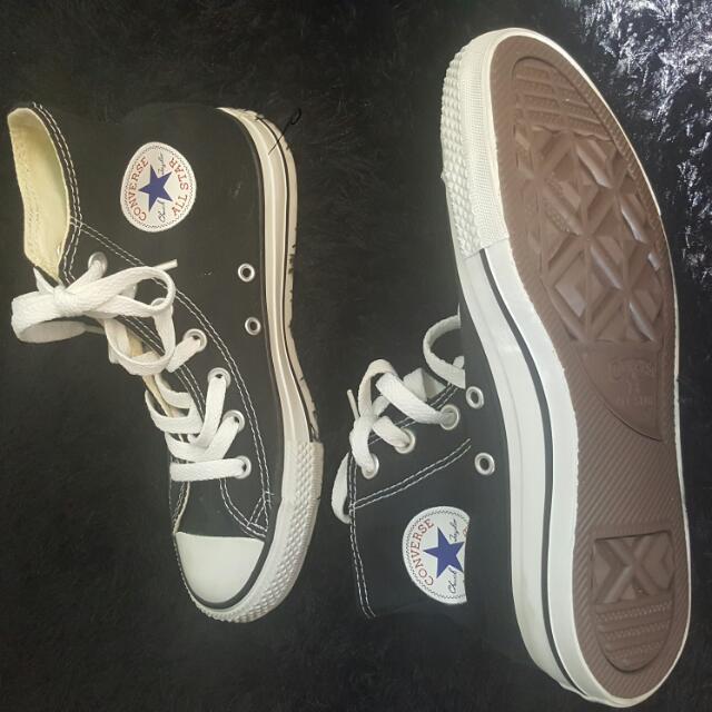 Converse Ladies/mens Hi Top Lace Up Shoes