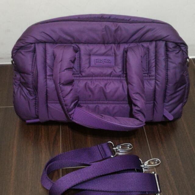 全新folli follie紫色空氣包,手提肩背斜背都可,特價2000含運,只有一個喔!
