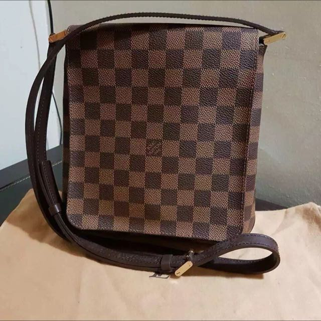 abbd8de3ab8 Louis Vuitton Damier Sling Bag, Luxury, Bags   Wallets on Carousell