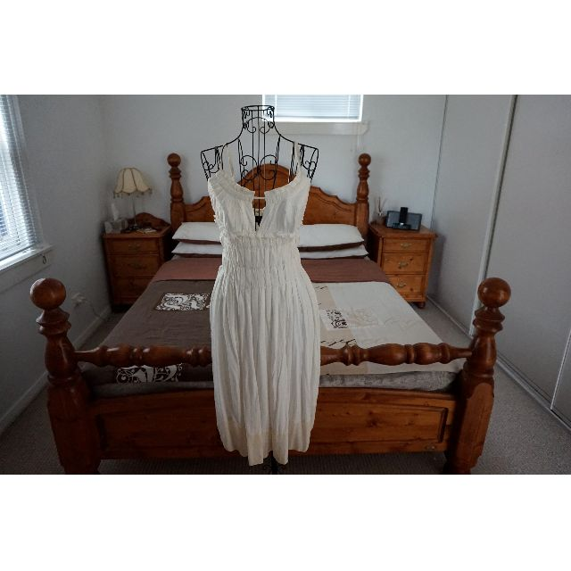 Natasha White and Cream 100% Silk 3-Way Dress Size XS RRP $340.00
