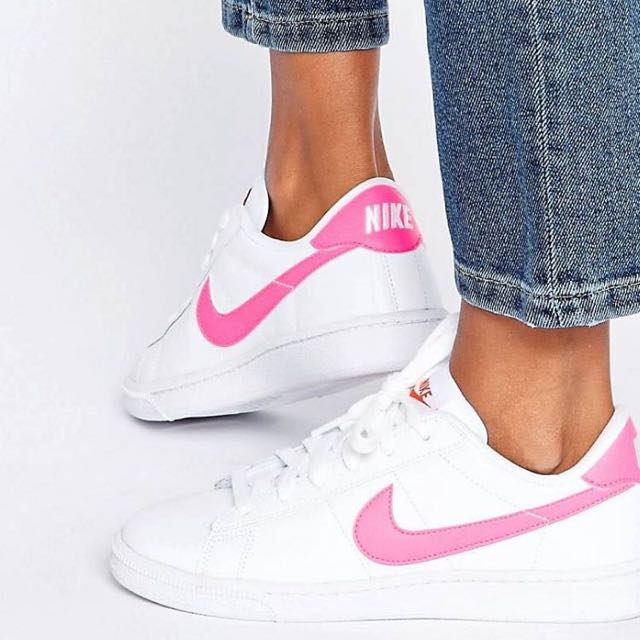 Nike Classic Court Royale Trainers in