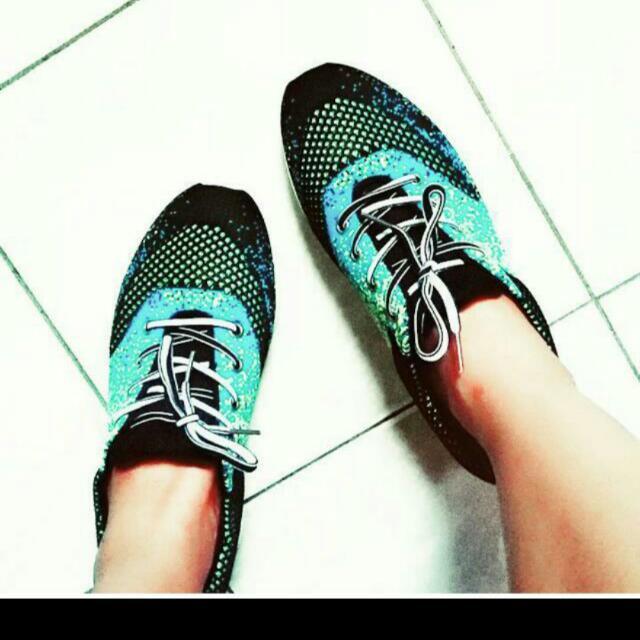 Pre-loved Sneakers