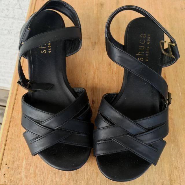 (保留中)日系品牌Shuca 黑色低跟楔形鞋
