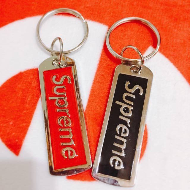 ✨潮✨現貨supreme鑰匙掛環/紅配黑