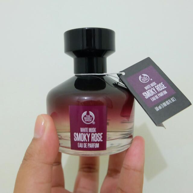 The Body Shop ( Smokey Rose)