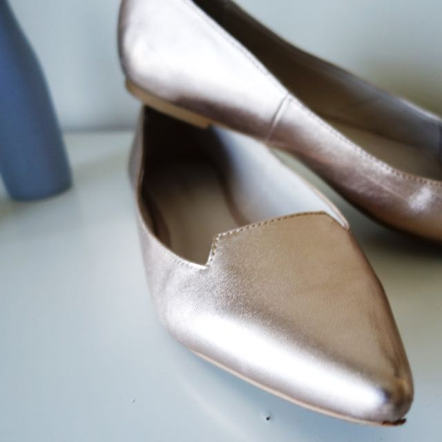 Witchery Rose gold Flats